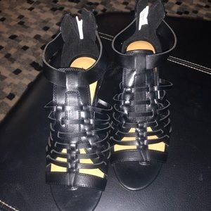 Black with tan wedge American Eagle shoes
